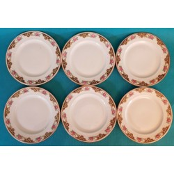 SIX ASSIETTES EN PORCELAINE...